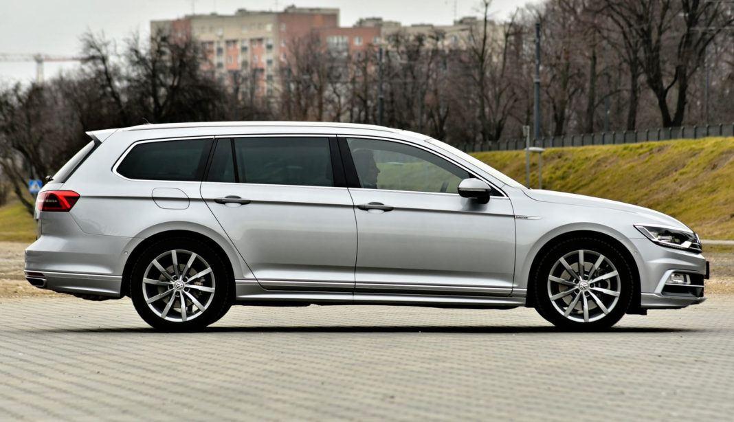 Volkswagen Passat - bok