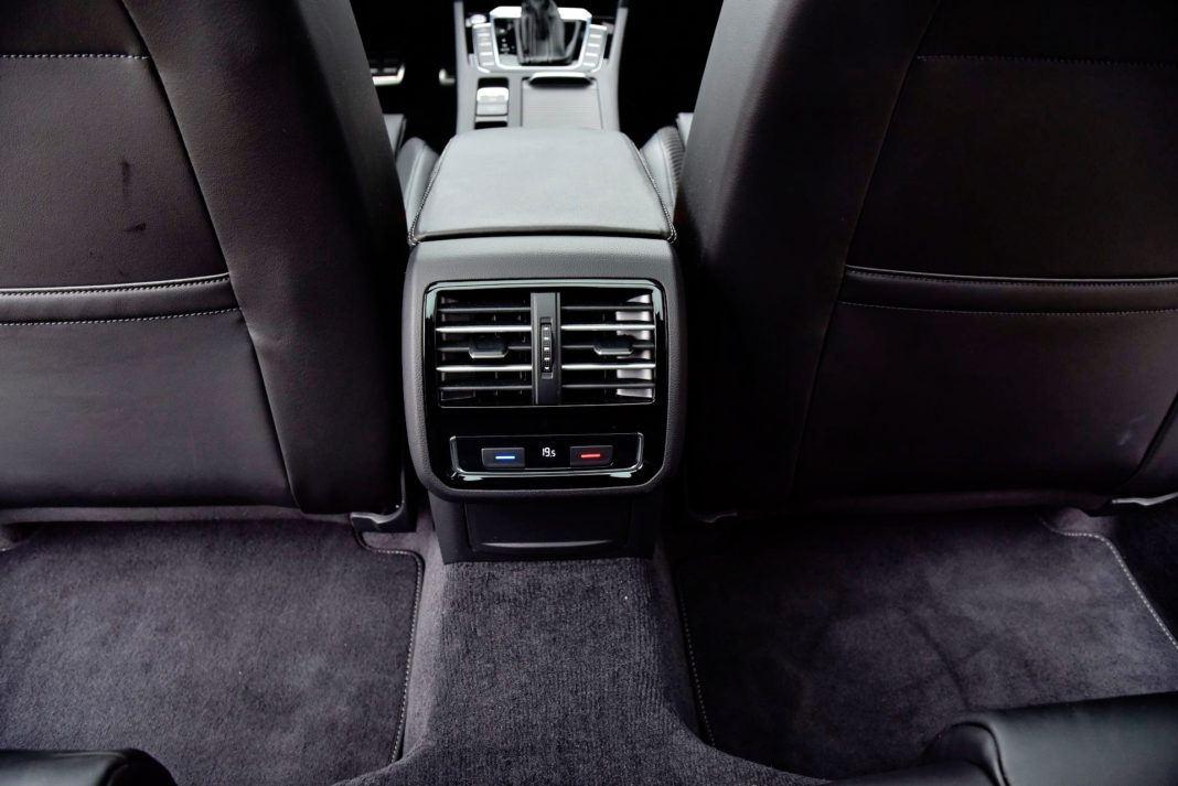 Volkswagen Passat - klimatyzacja trzystrefowa