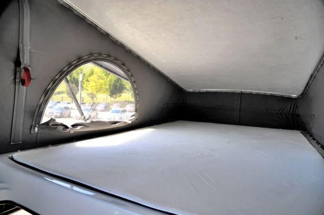 Łóżko na dachu