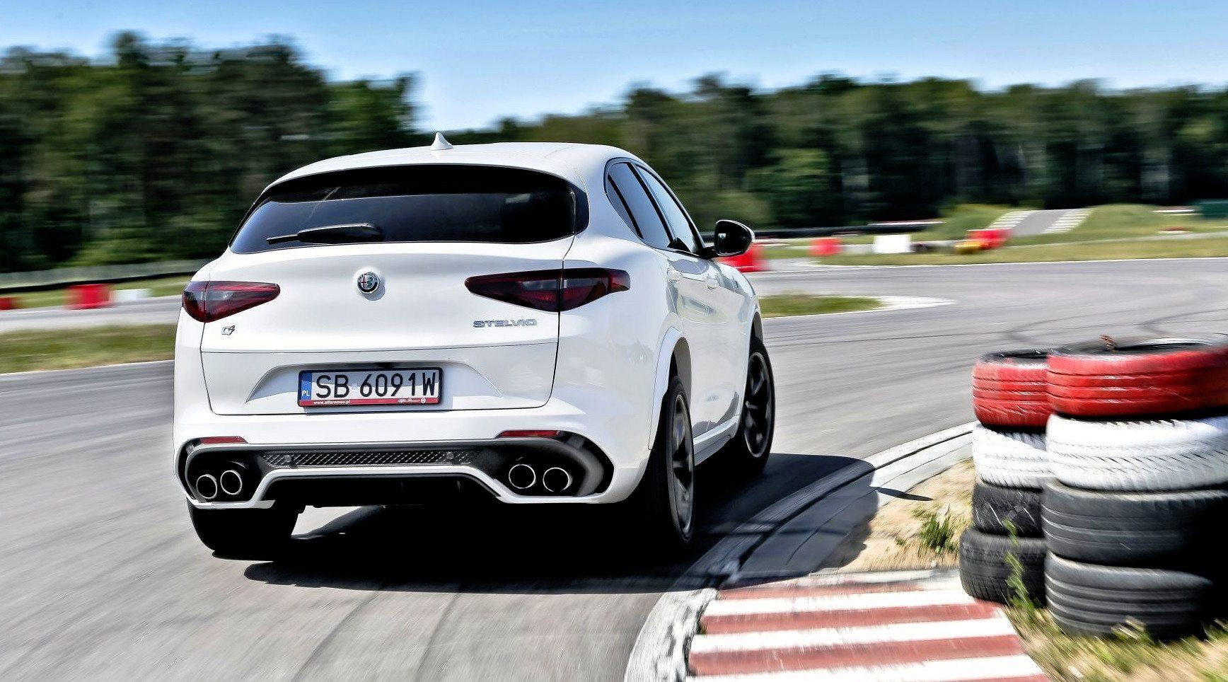 Alfa Romeo Stelvio Quadrifoglio - dynamiczne