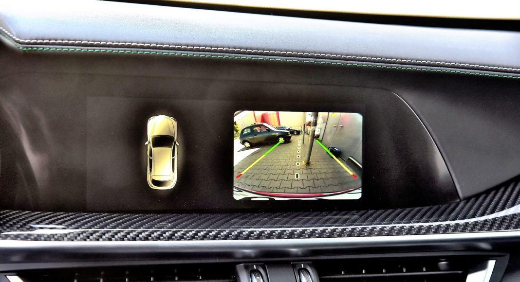 Alfa Romeo Stelvio Quadrifoglio - kamera cofania