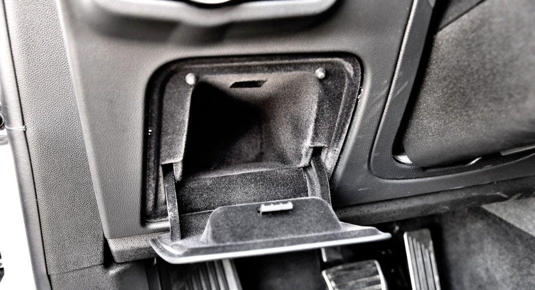 Alfa Romeo Stelvio Quadrifoglio - schowki