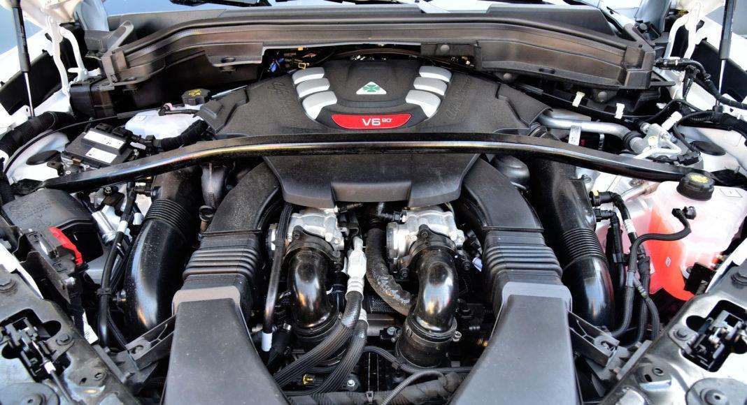 Alfa Romeo Stelvio Quadrifoglio - silnik