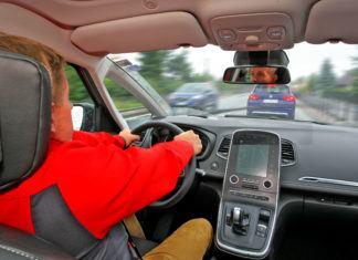 Bezpieczny odstęp między pojazdami – ile powinien wynosić?