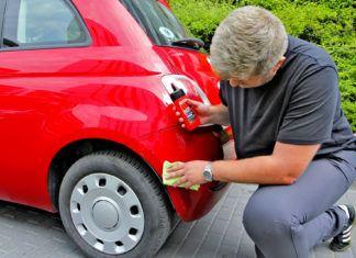 Tanie sposoby na usunięcie rys z lakieru auta. Czy są skuteczne?