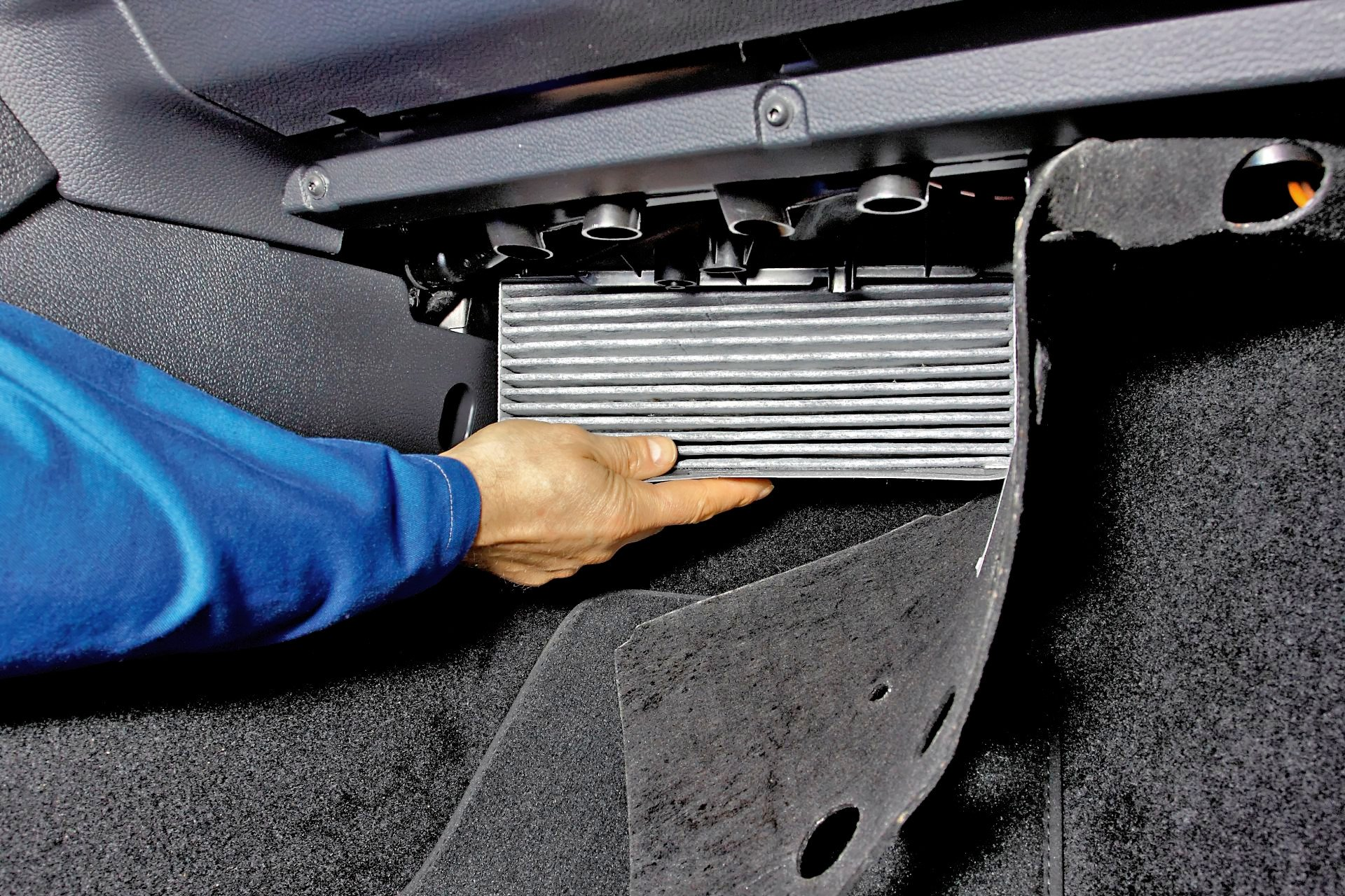Groovy Filtr kabinowy – rodzaje, lokalizacja w samochodzie, wymiana CP11
