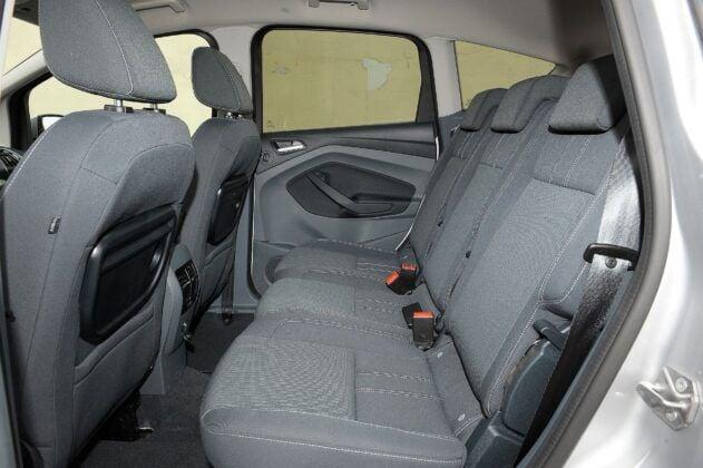 Ford C-Max II kanapa