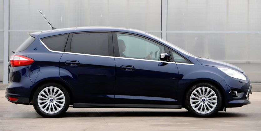 Ford C-Max - bok