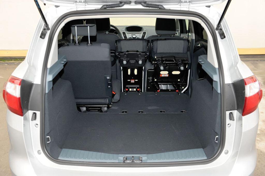Ford C-Max - powiększony bagażnik