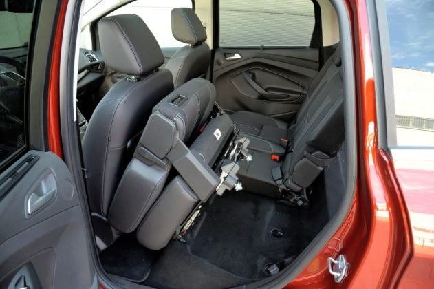 Ford C-Max - złożona kanapa