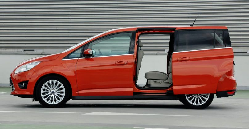 Ford Grand C-Max - bok