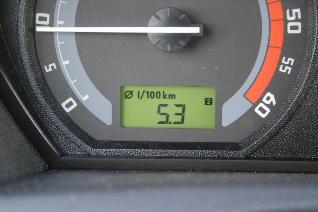 Jak obliczyć średnie spalanie auta