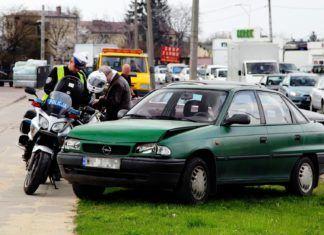 Kiedy trzeba wezwać policję do wypadku?