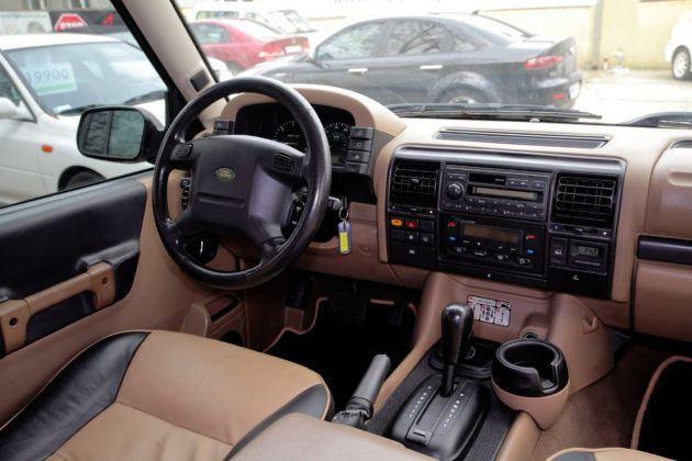 Land Rover Discovery 2 - deska rozdzielcza