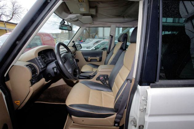 Land Rover Discovery 2 - fotel kierowcy