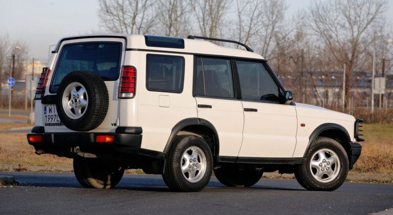 Land Rover Discovery 2 - tył