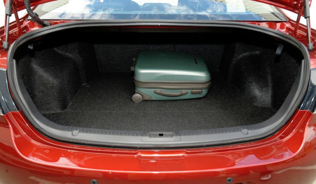 Mazda 6 II (GH) - bagażnik sedan