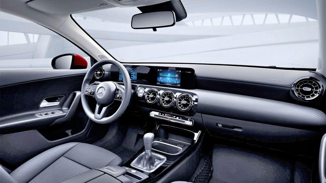 Mercedes A 200 - deska podstawowa