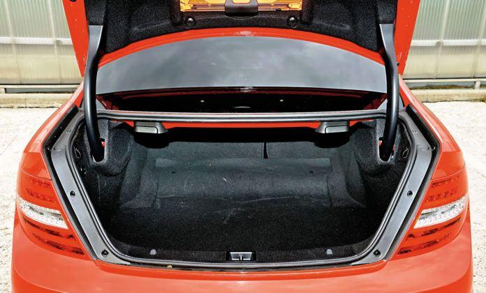 Mercedes Klasy C W204 - bagażnik coupe