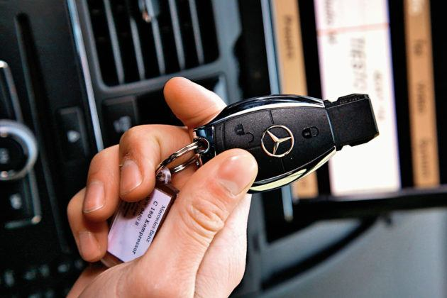 Mercedes Klasy C W204 - kluczyk