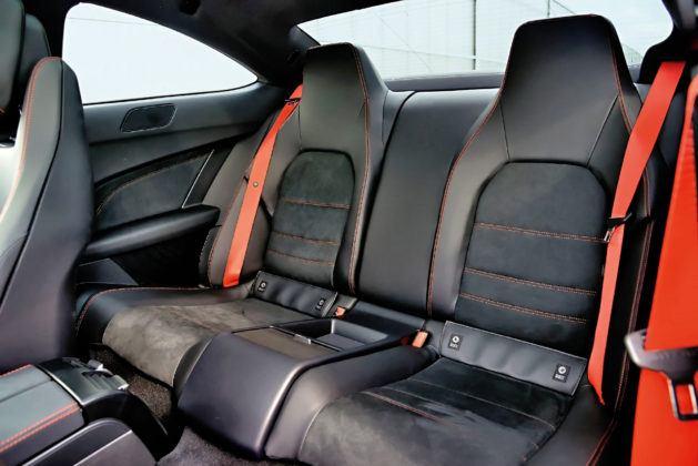 Mercedes Klasy C W204 - tylna kanapa coupe
