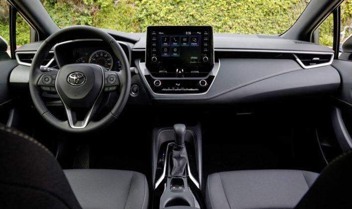 Nowa Toyota Corolla - deska rozdzielcza