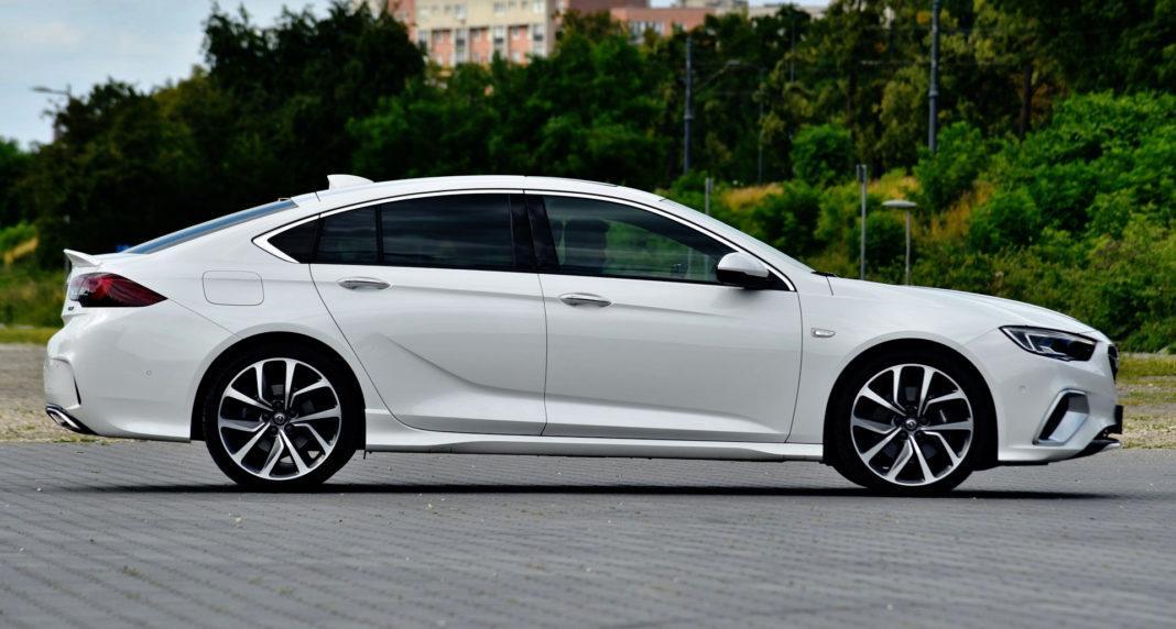 Opel Insignia GSi - bok