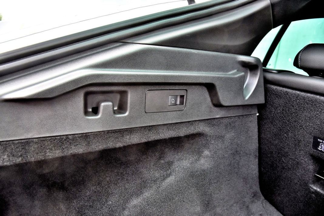 Opel Insignia 2.0 GSi - haczyki