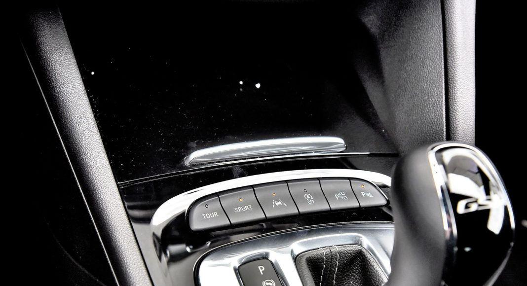 Opel Insignia 2.0 GSi - przyciski