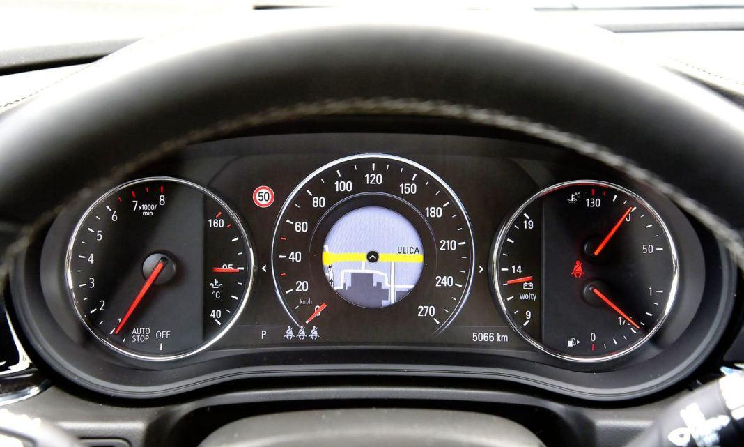 Opel Insignia 2.0 GSi - zegary