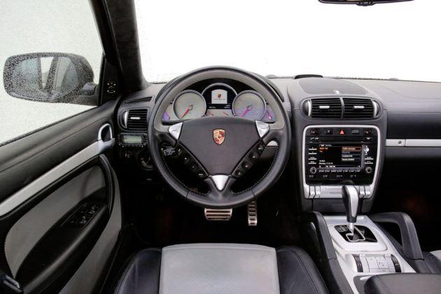 Porsche Cayenne - deska rozdzielcza