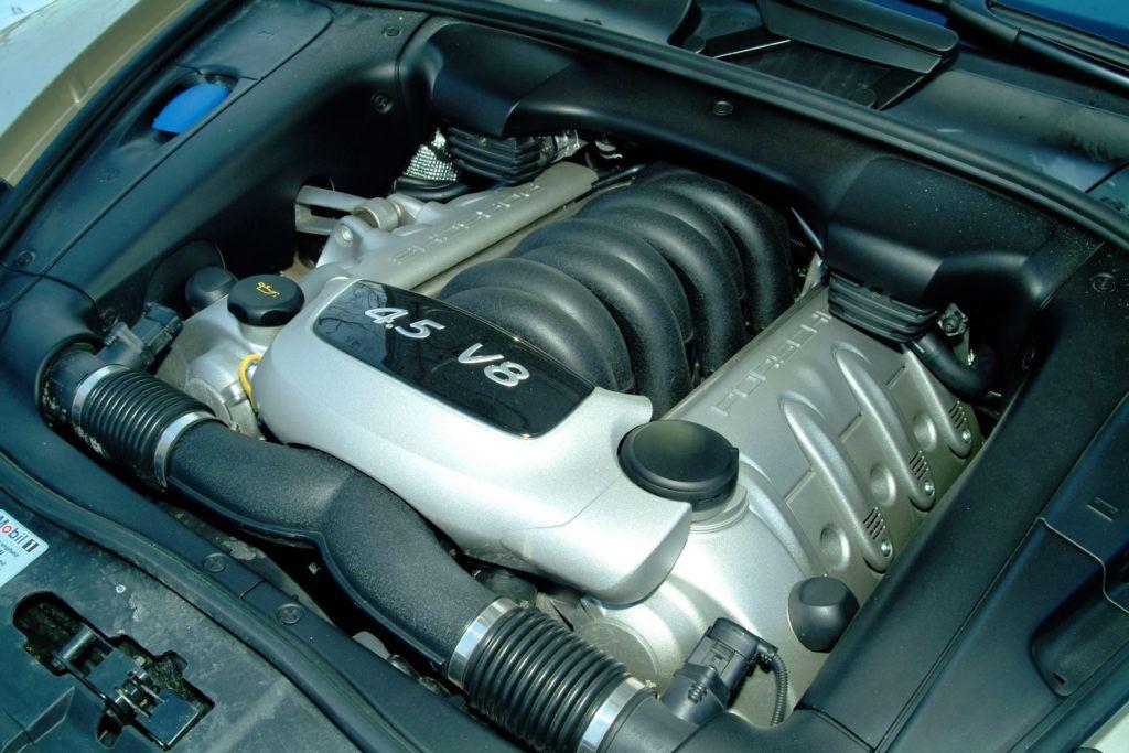 Porsche Cayenne - silnik 4.5