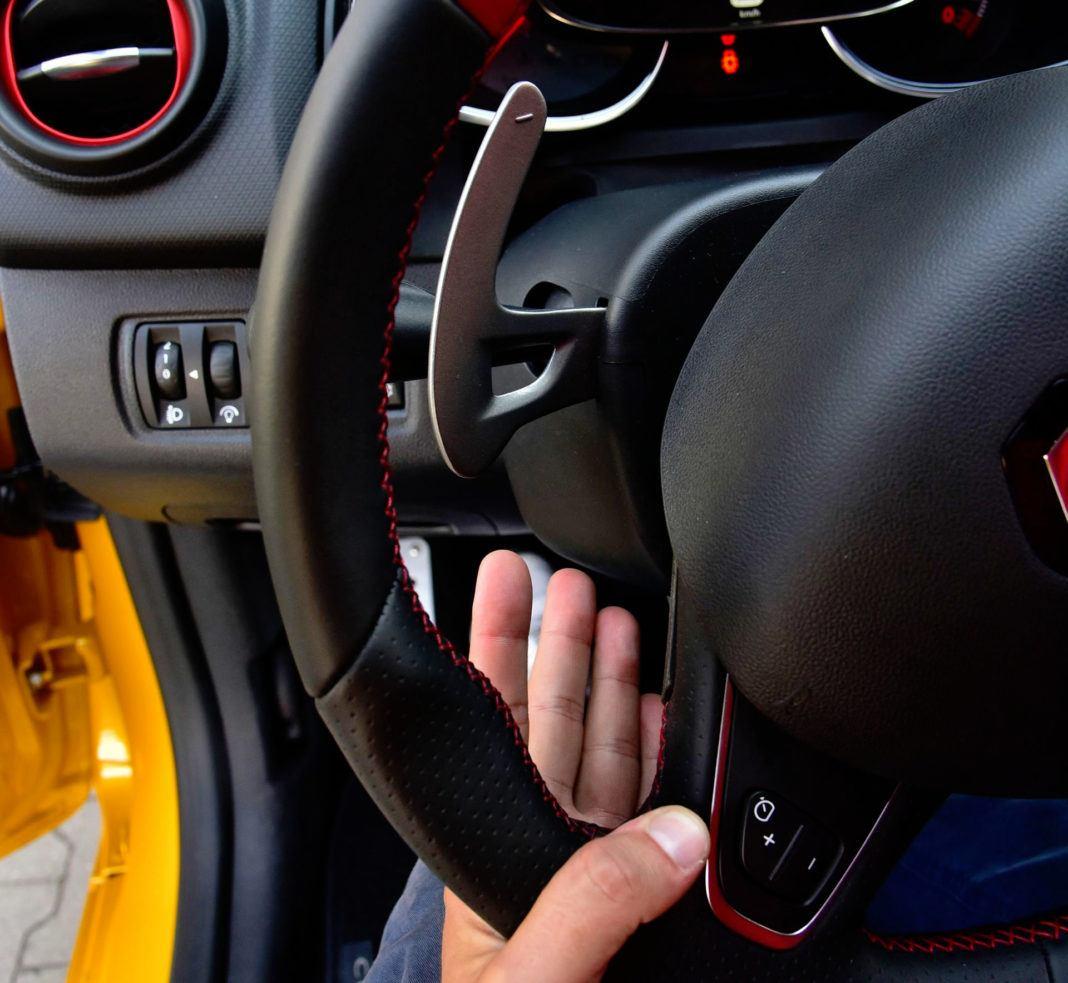 Renault Clio R.S. - łopatki