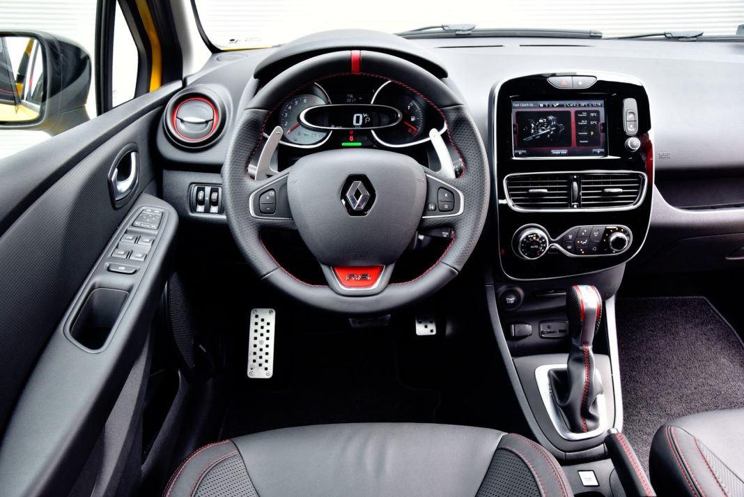 Renault Clio R.S. - deska rozdzielcza