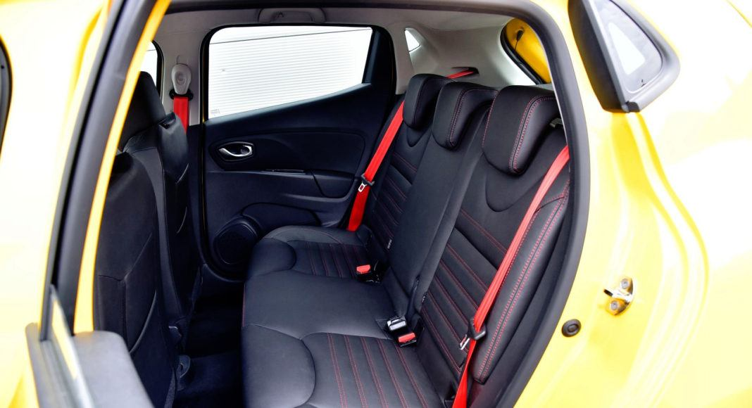 Renault Clio R.S. - kanapa
