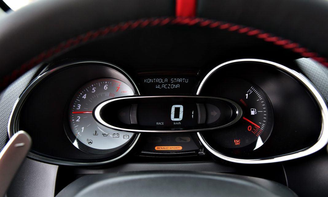 Renault Clio RS - procedura startowa