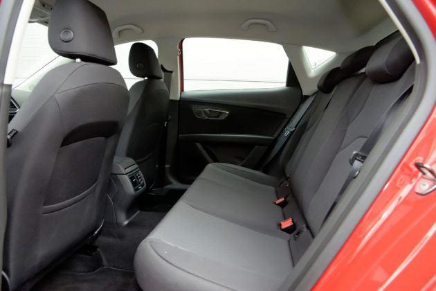 Seat Leon III - tylna kanapa
