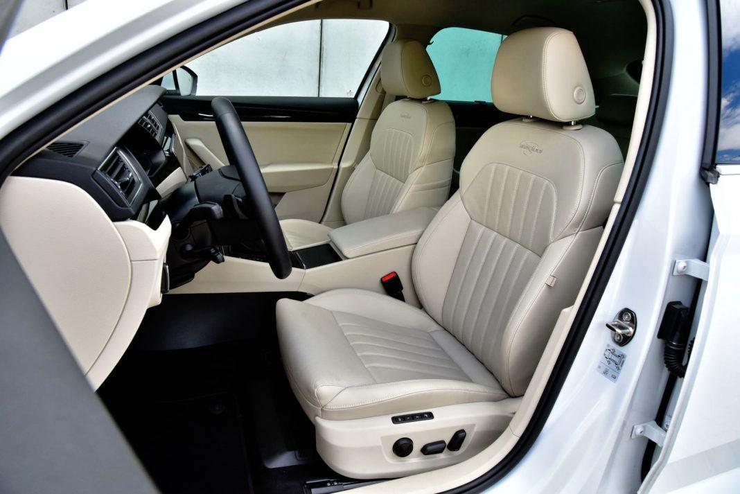 Skoda Superb 2.0 TSI - fotel kierowcy