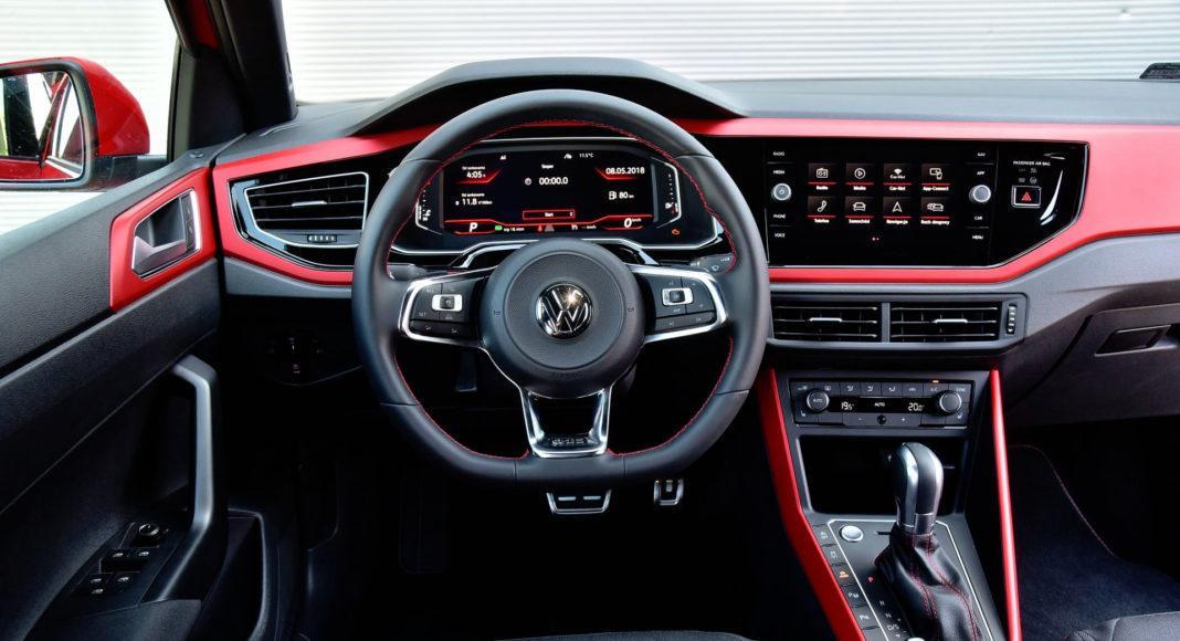 Volkswagen Polo GTI - deska rozdzielcza