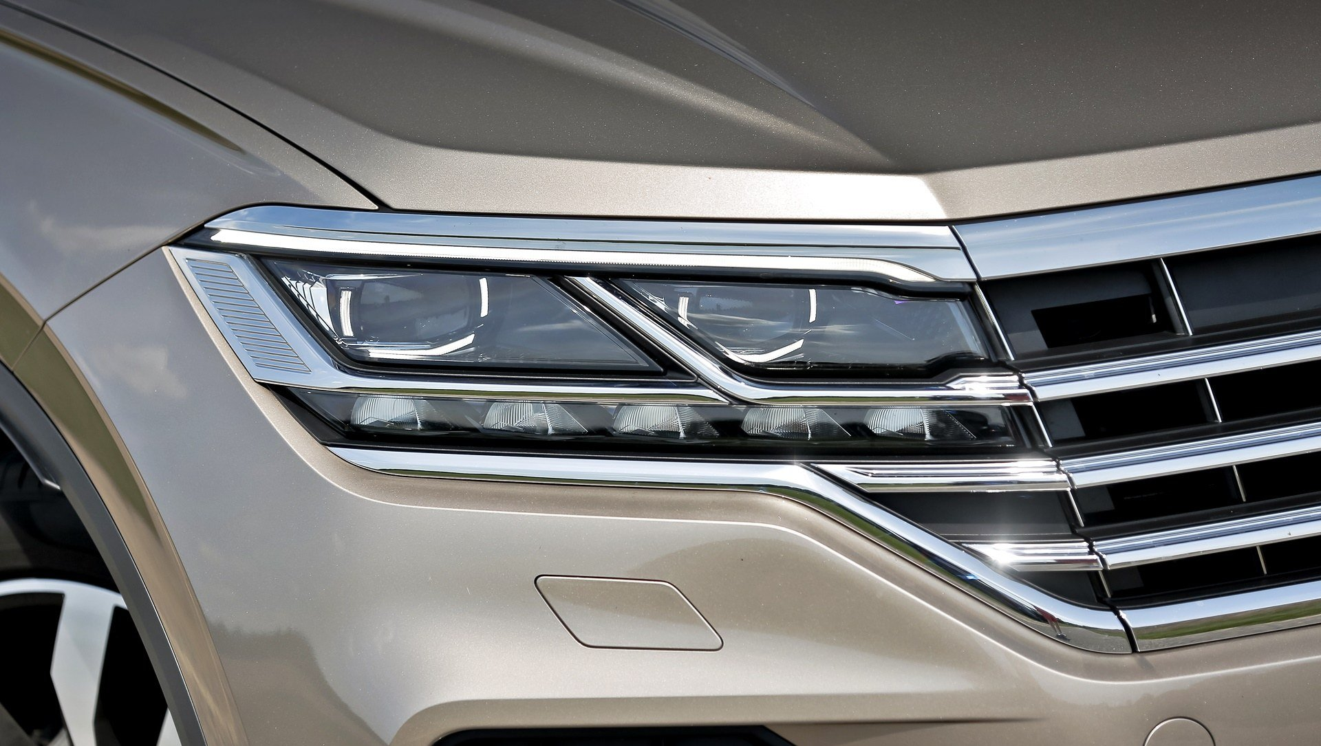 Volkswagen Touareg - światła