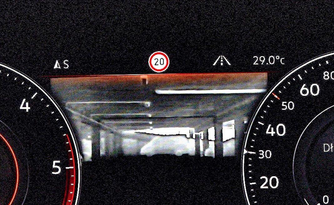 Volkswagen Touareg - kamera nokrowizoryjna
