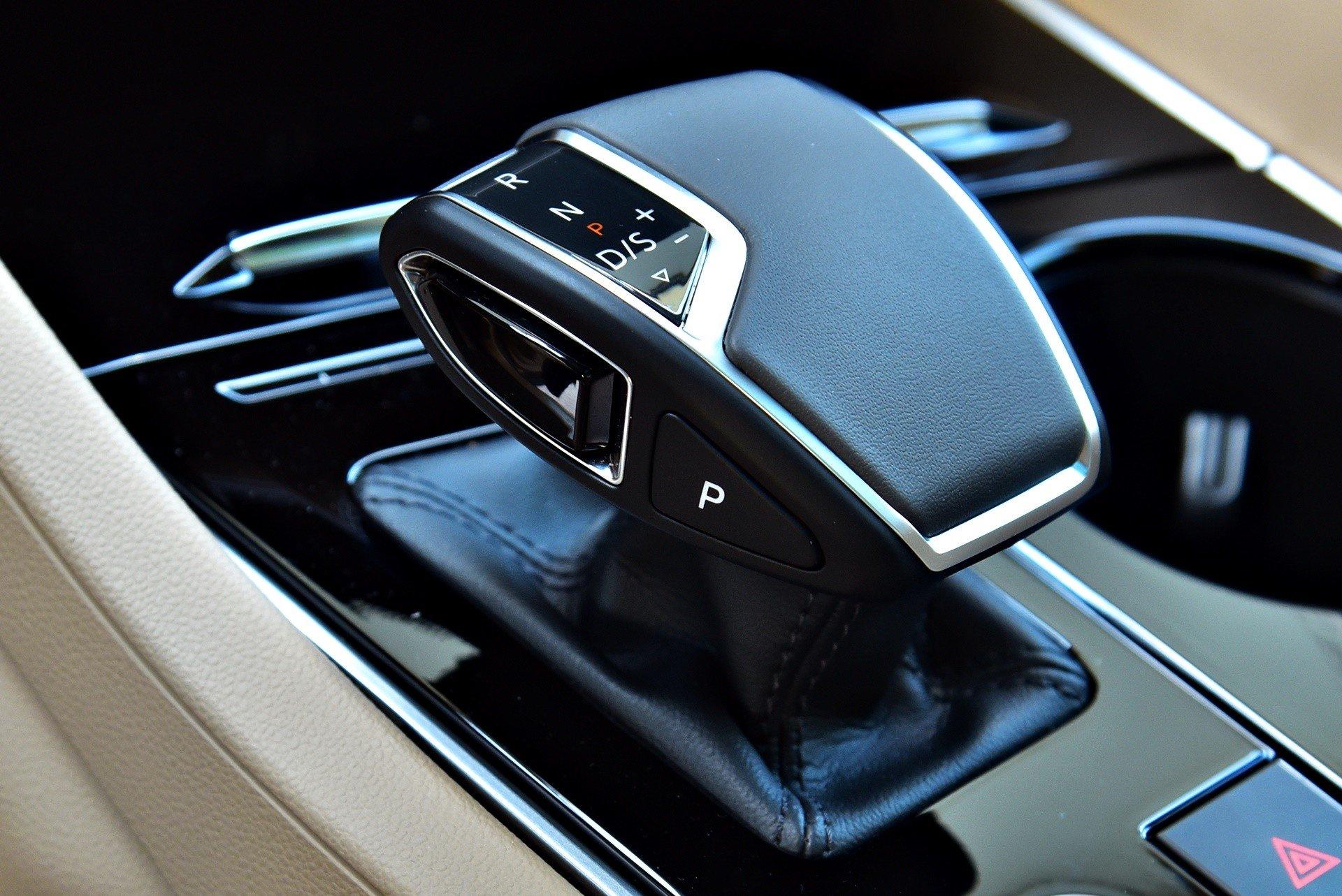 Volkswagen Touareg - skrzynia biegów