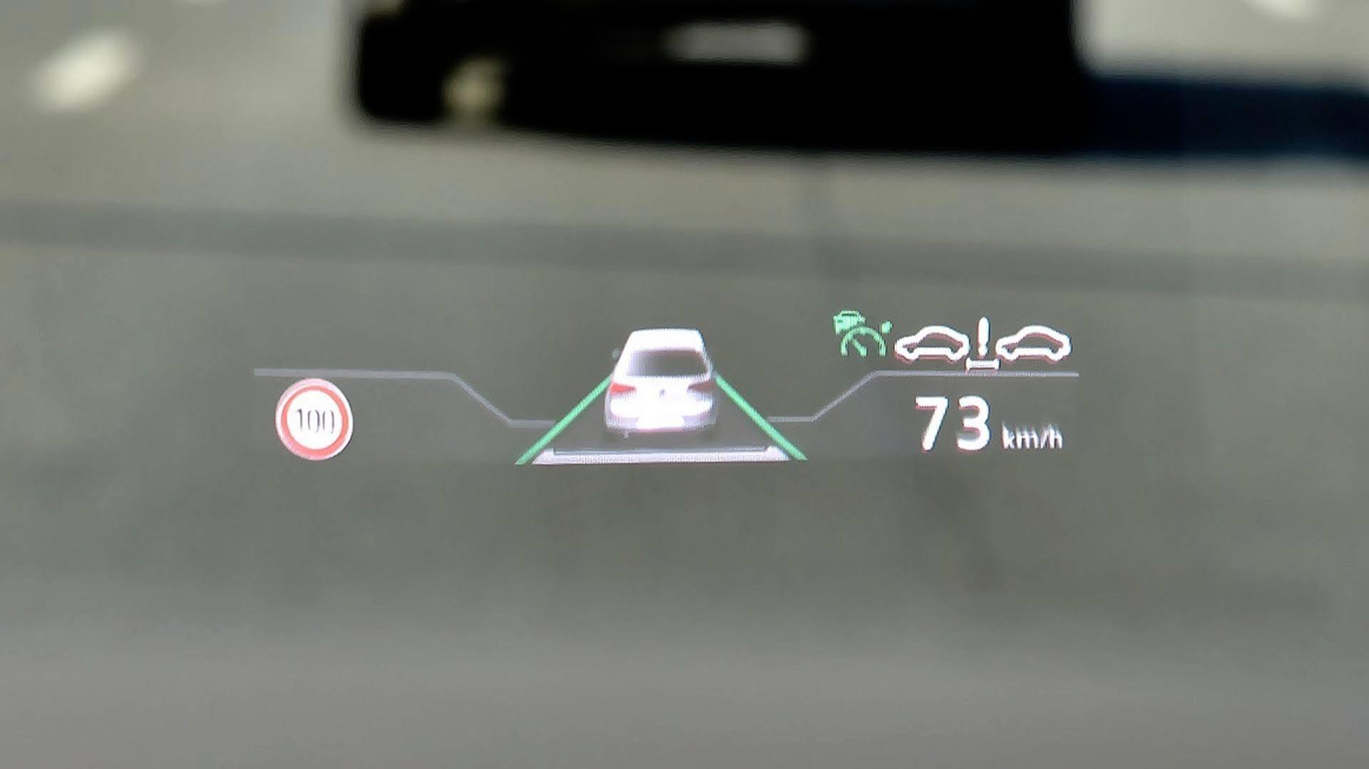Volkswagen Touareg - wyświetlacz head-up
