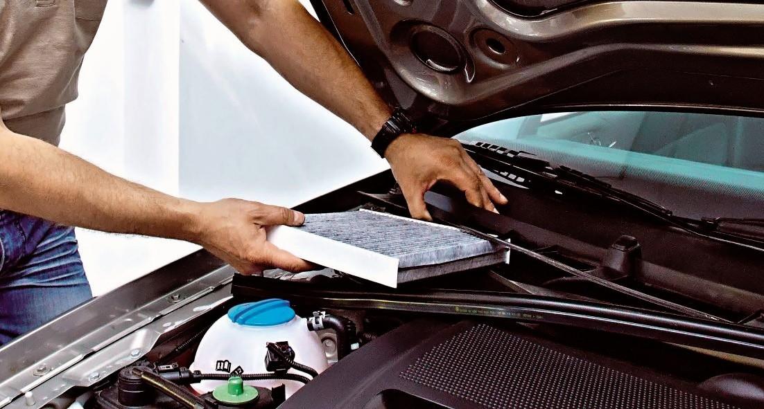 Poważnie Filtr kabinowy – rodzaje, lokalizacja w samochodzie, wymiana OF61