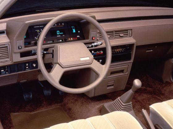 Toyota Camry V10 (1982-1986)