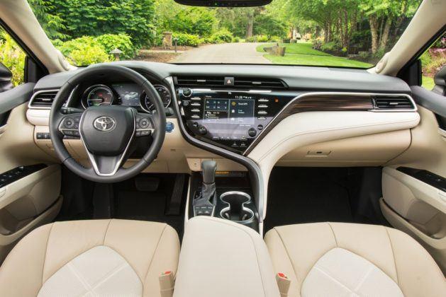 Toyota Camry Hybrid XV70 (2017) - wersja USA