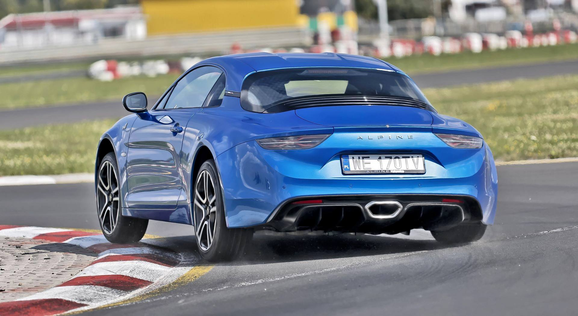 Alpine A110 - dynamiczne