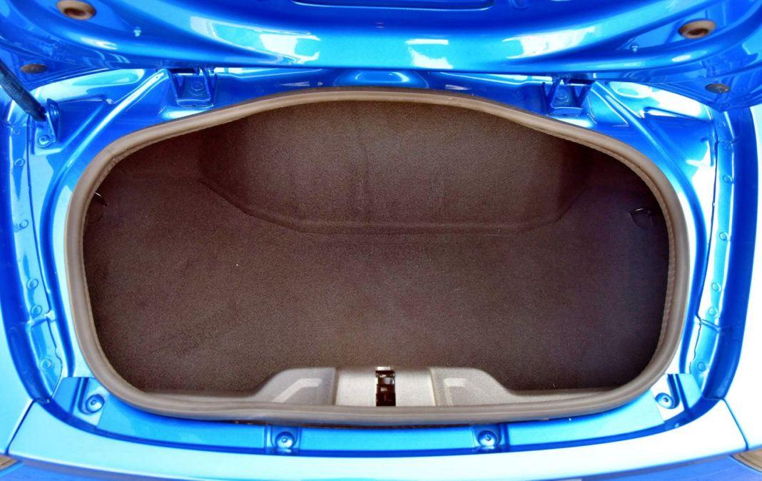 Alpine A110 - tylny bagażnik
