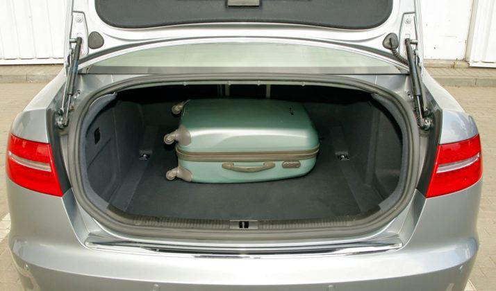 Audi A6 C6 - bagażnik sedan