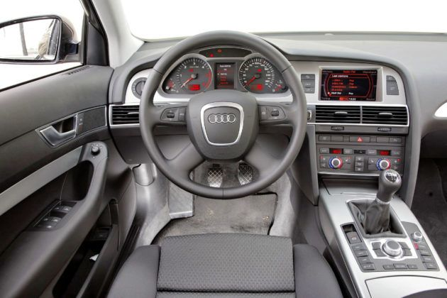 Audi A6 C6 - deska rozdzielcza